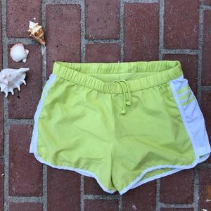 🐰 Adidas Shorts White Three Stripes Climalite